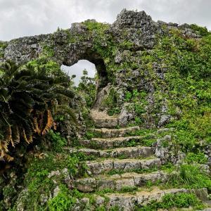 斎場御嶽ともずくのランチと沖縄南部のパワースポットの旅(沖縄本島)