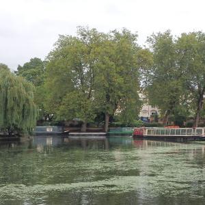 ロンドンのリトル・ベニスから船でリージェンツ運河めぐり