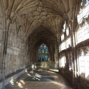 ハリー・ポッターのロケ地のグロスター大聖堂&ティンタジェル・キャッスルとイギリスのホームステイ4日目