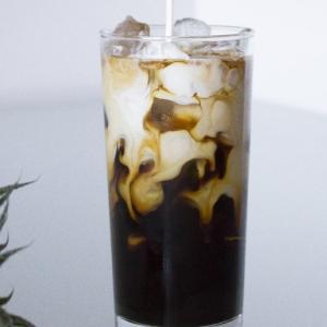 アイスコーヒーをおいしく5つの方法とフレンチプレスでの淹れ方