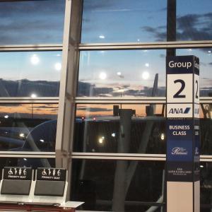 海外発券で土日完結弾丸旅行。NH885(羽田→クアラルンプール)エコノミークラス搭乗記