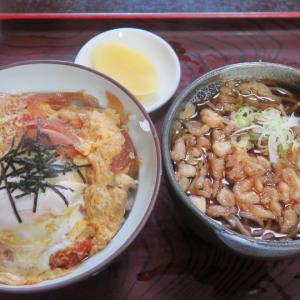 砂川 東家蕎麦店 カツ丼に半そばをセット