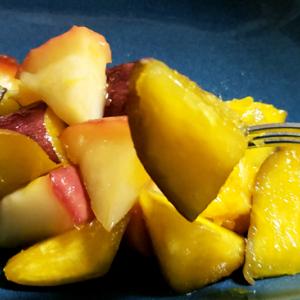 秋の味覚甘くて美味しい!さつまいもとリンゴの甘煮