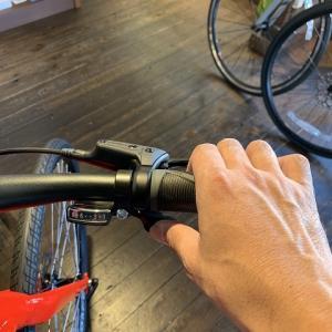 しばらく乗っていなかったスポーツ自転車の変速レバーが空振りする症状。