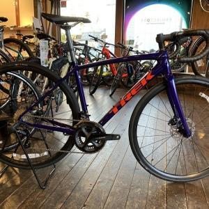 シマノ105を搭載したロードバイク「EMONDA ALR5 Disc」再入荷しました。