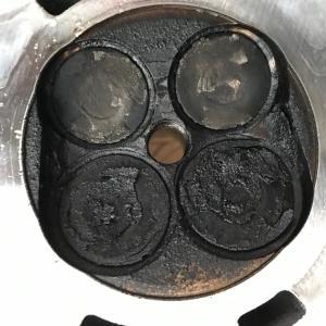 オイル上がりのエンジンの中身(1ZZ-FE)DIYでエンジン分解