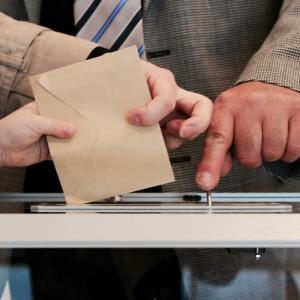 19歳が考える、私たち若者が投票に行かない根本的な理由