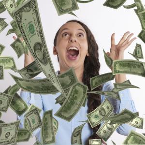 宝くじ当たった人が人生崩壊する理由と当選確率上げる方法