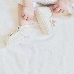 赤ちゃんのはじめての1歩から歩くまで。赤ちゃんの歩行器