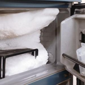 冷凍庫に霜がつくのはなぜ?その原因と簡単にできる取り方とは?