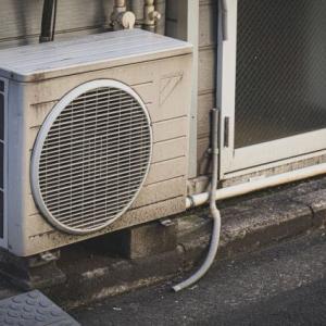 エアコンの室外機で隣家ともめたくない!適度な距離と設置方法!