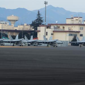 朝のメイス(Royal Maces F/A-18E)✕5機 ~2020.1.12横田基地~