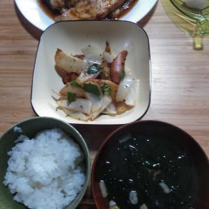 お昼はたいあら煮、つまみはお好み焼き
