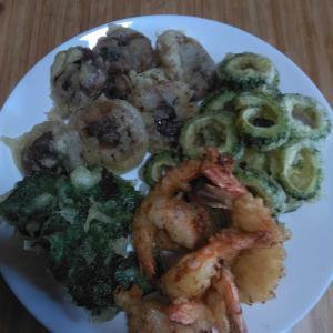 お昼は天ぷら、つまみはパブリカ肉詰め焼き