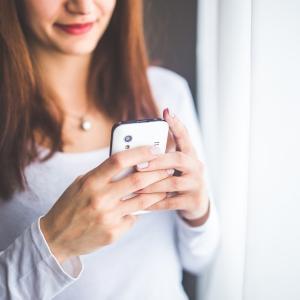 マッチングアプリで出会った人との初デート後に送るべきlineを男女別に解説!