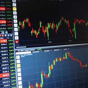 証券会社による今期の経常利益予想は6%~14%減 経済は早期回復するのか?