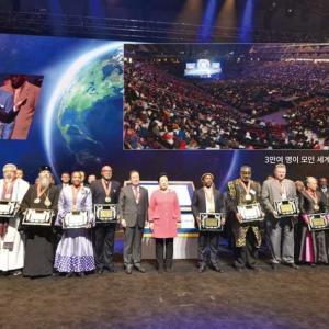 【時事ジャーナル】聖職者、アメリカの心臓で「世界平和」を歌う