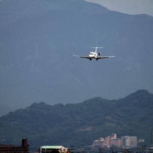 松山で見かけたCRJ-200を