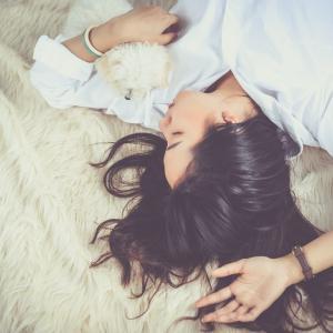 夢と心理の関係性【追いかけられる夢はあなたに何を伝えようとしているのか】