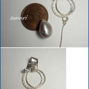 12月25日の彫金教室の作品 2個の輪のペンダント