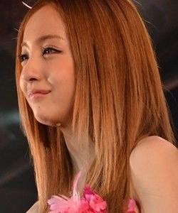"""【芸能】板野友美、""""美おでこ""""ショット公開で「可愛いすぎるし美人すぎる」「綺麗」と反響"""