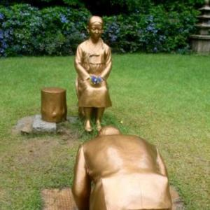 【産経(共同)】慰安婦少女像に謝罪する安倍晋三氏像の東京展示を検討 反対派の存在承知で実現目指す