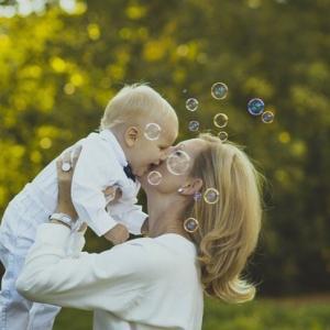 10歳までの子供は、親を幸せにするために生きている?