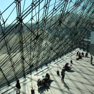 札幌モエレ沼公園のガラスのピラミッド。イサム・ノグチ氏の芸術作品