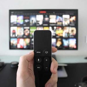 Amazonプライムビデオを【テレビで見る方法】Fire TV Stickで解決!