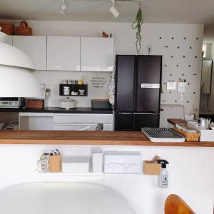 【無印良品】復活した壁に付ける家具ホワイトグレーでダイニングテーブルまわりをスッキリ