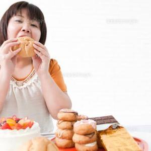 かっこいい女性はお菓子の誘惑に負けない。