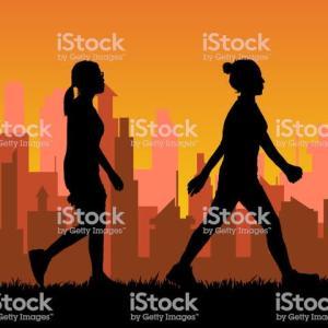 かっこいい女性は早歩きする。