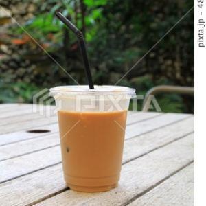 かっこいい女性は無理してスタバのコーヒーを飲まない。