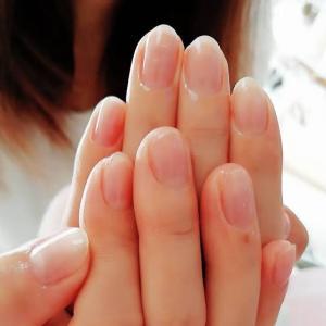 かっこいい女性は爪が綺麗