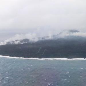 西之島「溶岩流が海へ流入」ふたつの火口で活動中 昨年を上回る地表温度