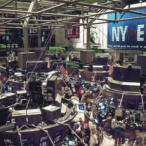 【超短】米国株の行方はどうなるのか?2つのストーリーを検討してみる