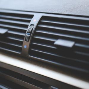 【7月8日の市況】日経平均続落、ダイキン EVのエアコン用省エネ冷媒を開発したとの報道で株価大幅高など