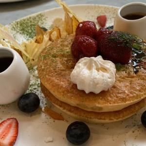 Chez Dréでスフレパンケーキとサーモンソテー@South Melbourne