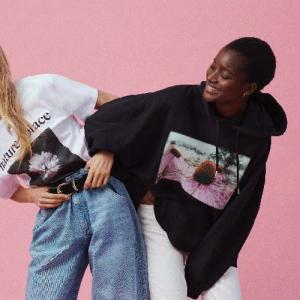 H&Mからスーパーモデルのヘレナ・クリステンセンとのコラボコレクションが登場