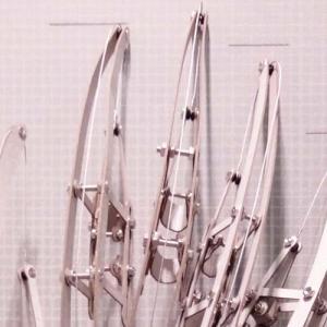 神楽岡久美の個展「美的身体のメタモルフォーゼ」へ