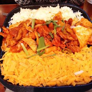 新大久保の韓国料理店「とんなら」でチーズタッカルビ