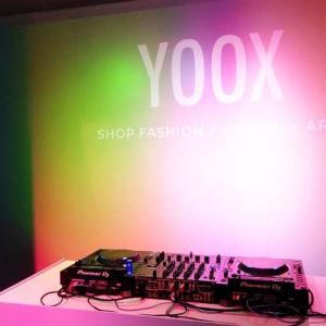 YOOX15周年記念ポップアップストアへ