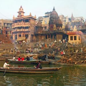 火葬場で生と死、インドを考える