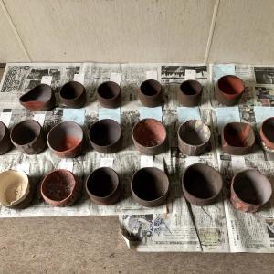 4種類の釉薬で茶碗に施釉する。#陶芸 #楽焼 #楽茶碗