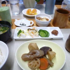 煮物、漬物3種で朝ごはん♪昨日の子ども食堂メニュー