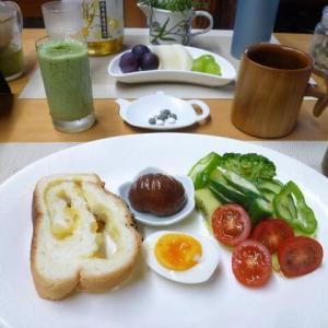 サツマイモブレッド、栗渋皮煮で朝ごはん♪