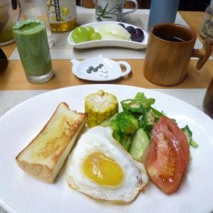 生絞りオリーブ油付きトースト、目玉焼きで朝ごはん♪石黒たまご園の卵は黄身が黄色白身がモチモチ!