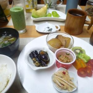 ぶり大根、ナス焼き、納豆で朝ごはん♪発酵食品の納豆は免疫強化に・・