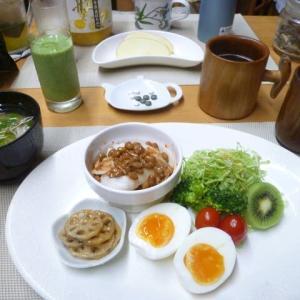 納豆もち、ゆで卵、レンコンきんぴらで朝ごはん♪