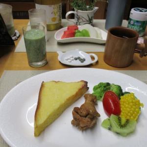 フレンチトースト、手羽元煮で朝ごはん♪